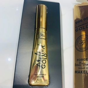 Too Faced Makeup - Lip gloss gold from too faced